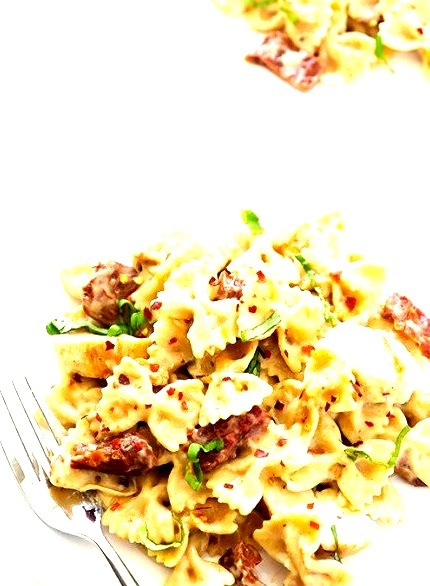 Creamy Pasta With Chicken And Sun-Dried TomatoesSource